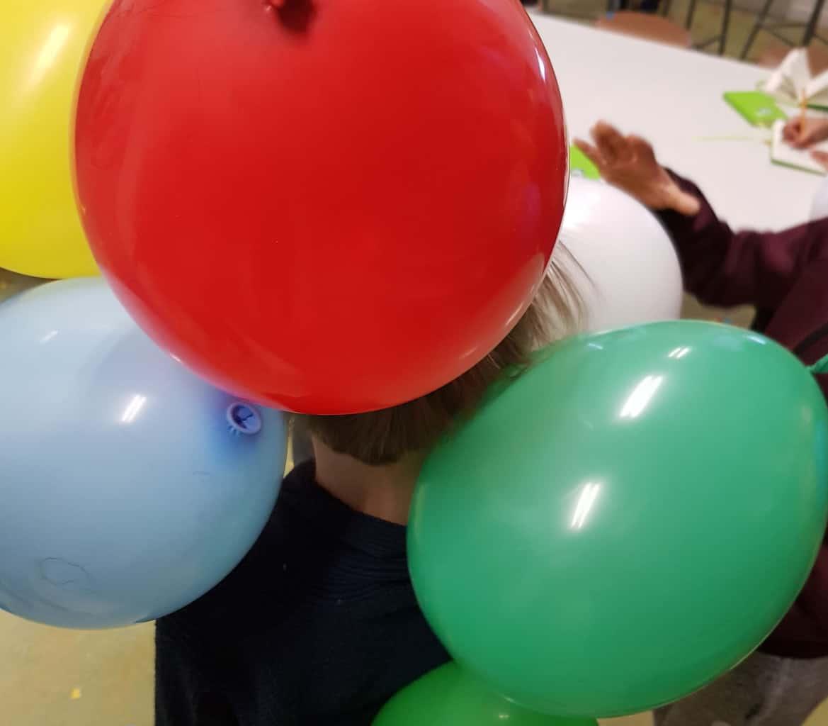 Onderzoekend leren - Opwekken statische elektriciteit met ballonnen